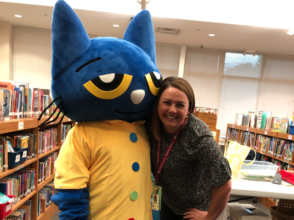 Pete the Cat character